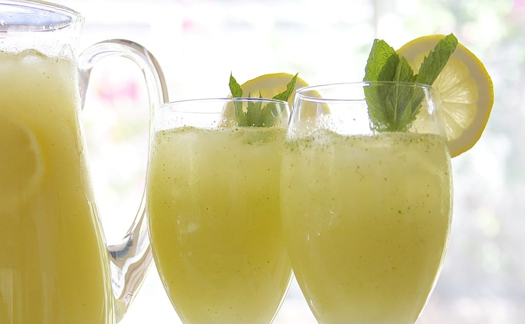 Vodka Honey Lemonade recipe is perfectly refreshing for hot summer days. You will be amazed by how it is made.