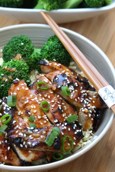 Asian Chicken Bowl recipe - juicy chicken with blanched broccoli. Flavors of sesame, ginger and garlic with a hint of spice.
