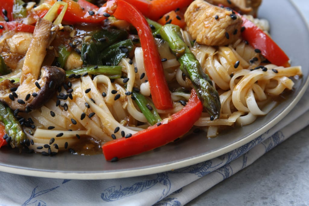 Lemongrass Chicken Noodle Stir Fry recipe is on the same level as your favorite pad thai. Full of vitamin packed veggies, lemongrass, ginger and rice noodles. My family devoured this.