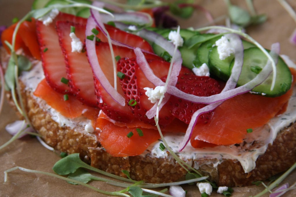 Beautiful Summer Smoked Salmon Sandwiches recipe- easy, light, refreshing and yet so satisfying. Perfect for Sunday brunch or a hot summer night dinner.